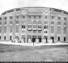Yankee Stadium Cost To Build