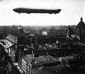LZ 3 - The LZ 3 flying over Berlin, 1909
