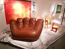 Prodotti di design italiano esposti alla Triennale durante la Settimana del Design 2012, in primo piano la poltrona Joe di Poltronova