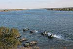 Інженерні підрозділи навели на Дніпрі під Херсоном понтонно-мостову переправу (29837781214).jpg