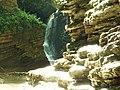 Водопад в ущелье.jpg