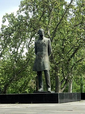 Mikael Nalbandian - The statue of Nalbandian in Yerevan