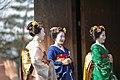 知恩院 舞妓撮影 Chion-in Maiko (11153132493).jpg