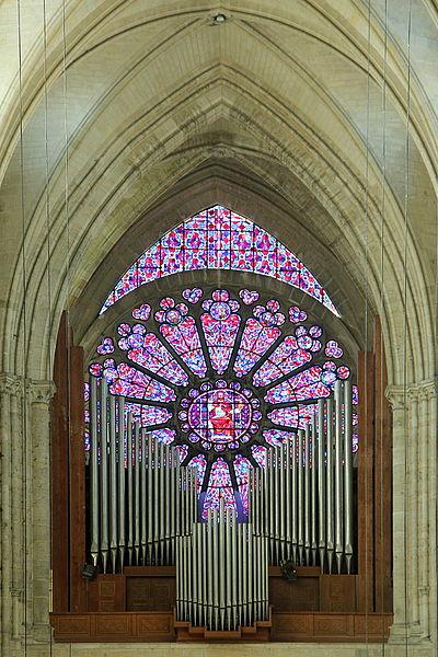 Great organ and the West rose Saint-Gervais-et-Saint-Protais Cathedral Soissons (Aisne, France).
