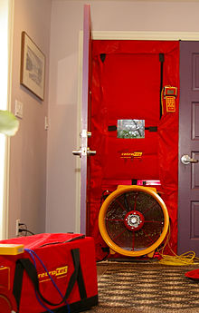 blower door test wikipedie. Black Bedroom Furniture Sets. Home Design Ideas