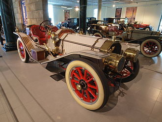 Peerless Motor Company - Image: 1911 Peerless 45 HP Model 32