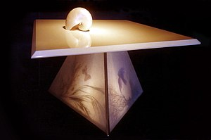 English: Coffee table with illuminated stand /...