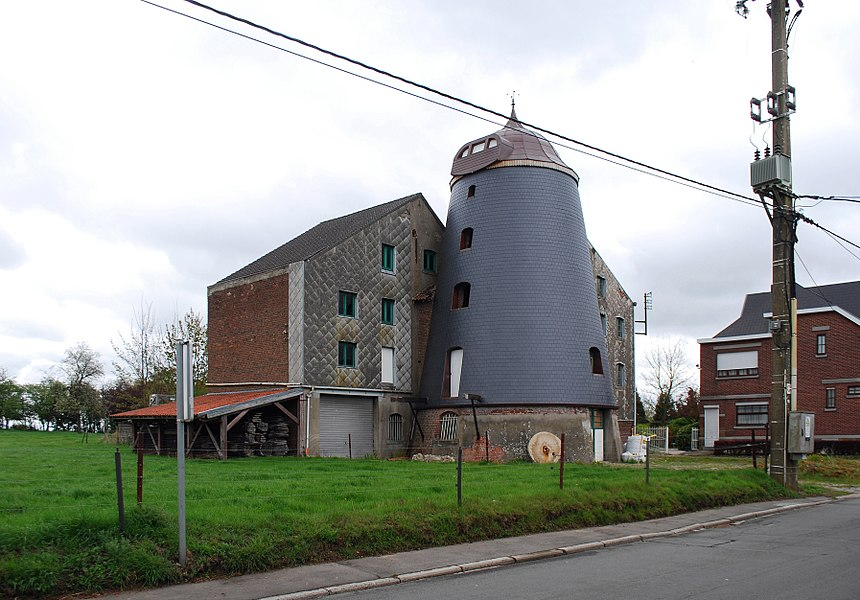 Vue d'un ancien moulin rue Englebert Lescrenier à Othée.