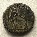 201209071751b Berlin Pergamonmuseum, Münze RS Eros, FO Pergamon, kaiserzeitlich, VS Commodus, 177-192 u.Z.jpg