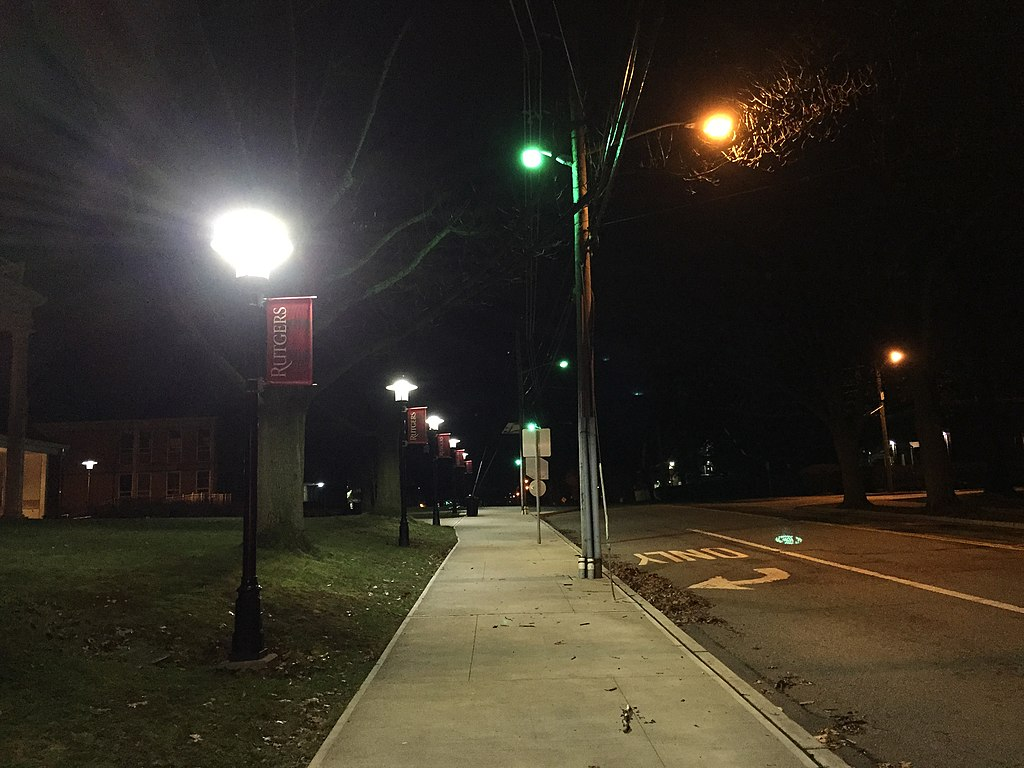 File 2016 01 17 03 01 01 Sidewalk And Street Lights At