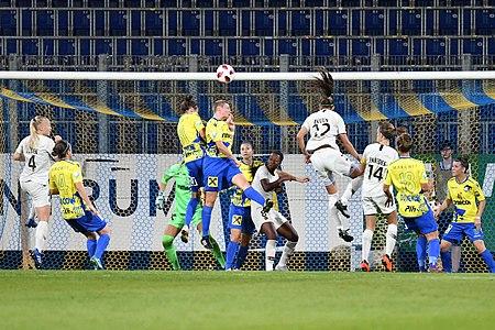 20180912 UEFA Women's Champions League 2019 SKN - PSG Enzinger Schwarzlmüller Bruun DSC 4938.jpg