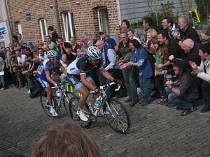 2011 Tour of Flanders - Cancellara and Chavanel lead the race up the Muur-Kapelmuur