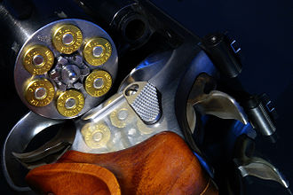 Smith & Wesson Model 686 - Image: 357er Magnum