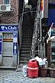 40계단문화관광테마거리의 비좁은 계단길.JPG