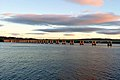 Abend in Dundee, Tay Bridge (26840853949).jpg