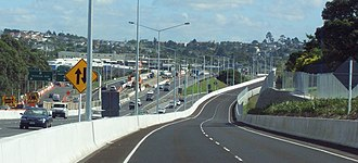 Public transport in Auckland - Northern Busway looking north along the Tristram Avenue viaduct