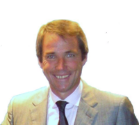 Alan hansen in 2004.png