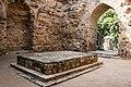 Alauddin Khalji's Tomb 03.jpg