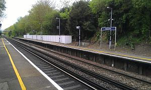 Albany Park railway station - The train platform.