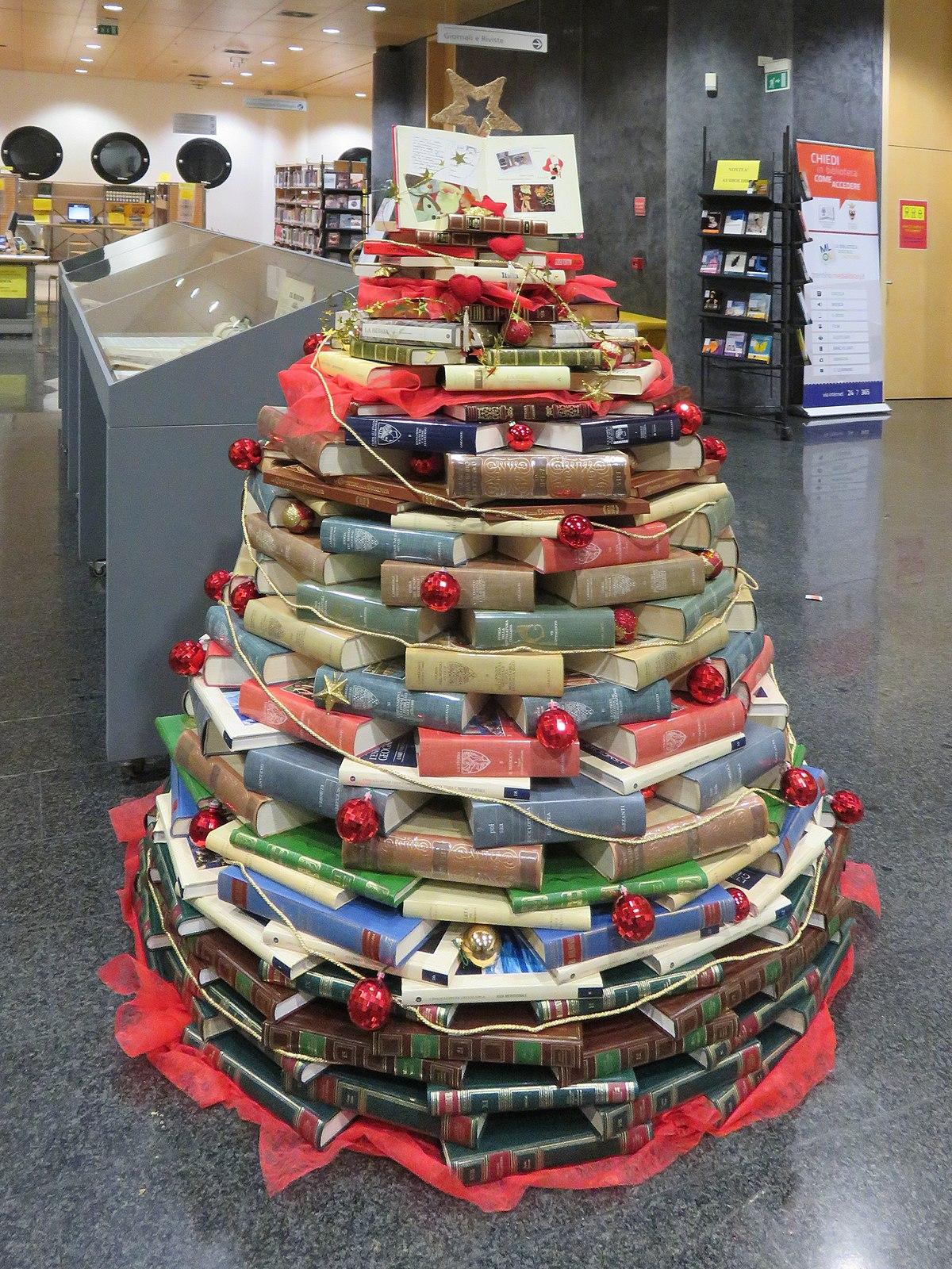Albero Di Natale Wikipedia.File Albero Di Natale In Biblioteca Rovereto Jpg Wikipedia