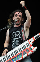 Alestorm, Christopher Bowes at Wacken Open Air 2013 03.jpg