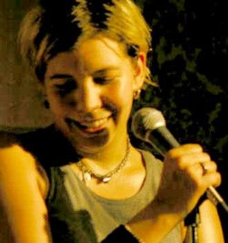 Alix Olson - Image: Alix olson on mic
