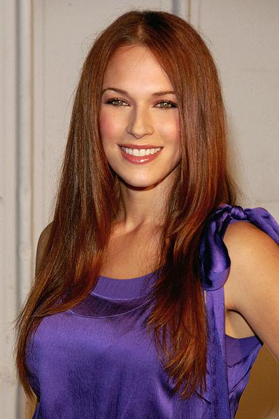 Les plus belles femmes du Monde - Page 3 399px-Amanda_Righetti_2009