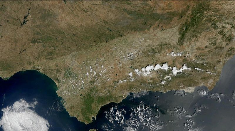 https://upload.wikimedia.org/wikipedia/commons/thumb/5/53/Andalucia_satelite.jpg/800px-Andalucia_satelite.jpg