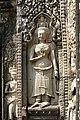 Angkor-Thommanon-22-Devata-2007-gje.jpg