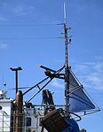 Antenner och lanternor på fiskebåt Smögens varv.jpg