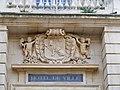 Arles - blason mairie.jpg