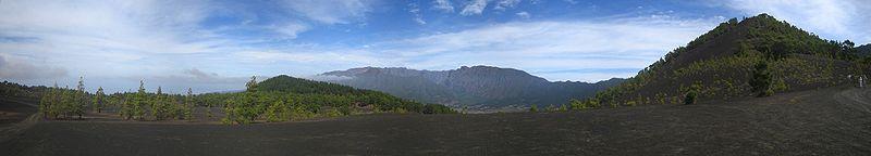 File:Aschefelder auf La Palma oberhalb von Puerto Naos.jpg