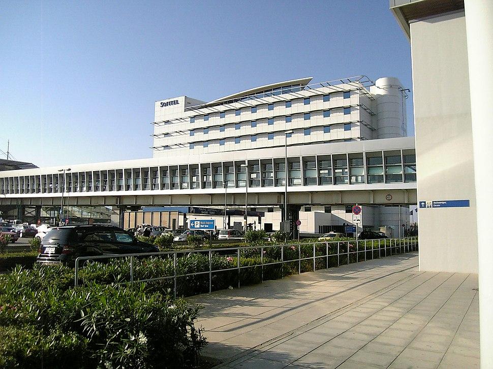 Athens International Airport footbridge and hotel