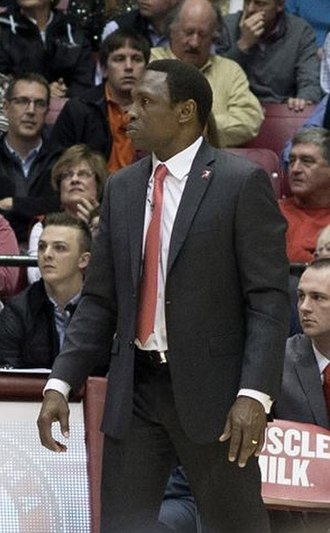 Avery Johnson - Johnson coaching Alabama in 2016.