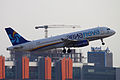 Avianova A-320 EI-EEI (6227564120).jpg
