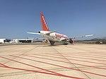 Avion EasyJet à l'aéroport d'Olbia (juillet 2018).JPG