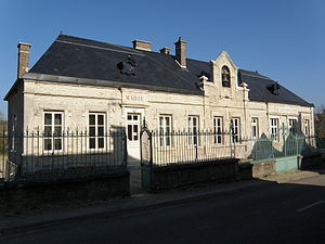 Avirey-Lingey - The Town Hall/School