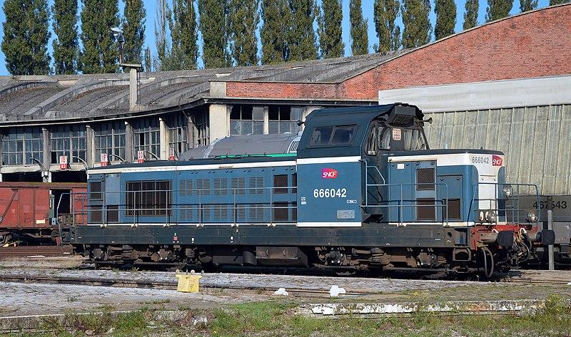 File:BB 66042 au dépot de Longueau.JPG