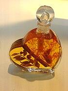 Badeöl mit Kräutern und Blättern.JPG