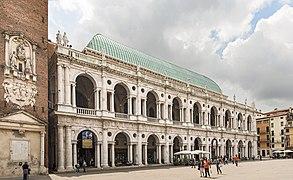 Basilica Palladiana (Vicenza) - facade on Piazza dei signori.jpg