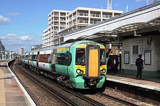 Battersea Park railway station - Image: Battersea Park GTSR Southern 377214 down service