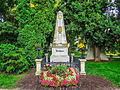 Beethovens Grab, Zentralfriedhof Wien (15328927356).jpg
