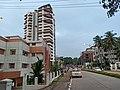 Bendoorwell-Kankanady Road naast Colaco Hospital en Shalimar Liverpool in Mangalore.jpg