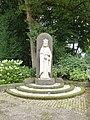 Berg en Dal (Groesbeek) Christus Koning - H.Hartbeeld bij kerk.JPG