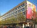 Berlin, Mitte, Unter den Linden 41, Appartementhaus und Funkionsgebaeude Komische Oper 02.jpg
