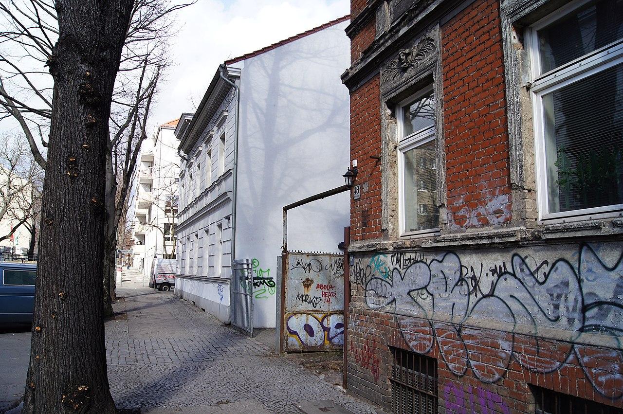file berlin weissensee behaimstrasse 46 48 50 and charlottenburger strasse 127 03474 jpg. Black Bedroom Furniture Sets. Home Design Ideas