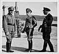 Besuch bei Oberstleutnant Schröder (7129741797).jpg