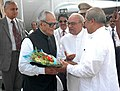 Bhairon Singh Shekhawat being received by the Governor of Orissa, Shri Rameshwar Thakur and the Chief Minister of Orissa, Shri Naveen Patnaik at Biju Patnaik Airport, Bhubaneswar, Orissa on October 13, 2006.jpg