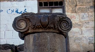 Bosra. Via colonnata - DecArch - 2-27.jpg