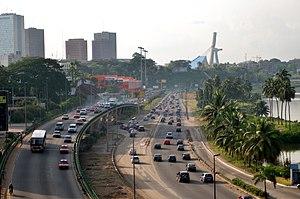 Transport in Ivory Coast - Image: Boulevard De Gaulle Abidjan